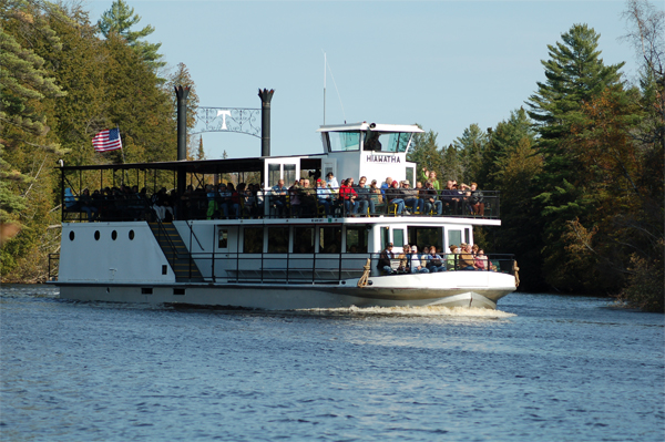 Toonerville Trolley - Train and Boat Tours